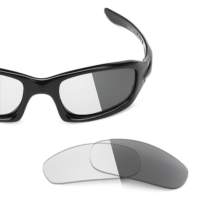 da991035df Revant Replacement Lenses for Oakley Fives 4.0 Elite Adapt Grey Photochromic   Amazon.co.uk  Clothing
