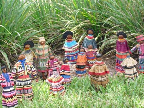 Native Dolls- Heritage of Tribal ()
