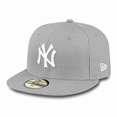 New Era MLB Basic NY Yankees 59 Fifty Fitted - Gorra para hombres   Amazon.es  Deportes y aire libre 027cc8c5468