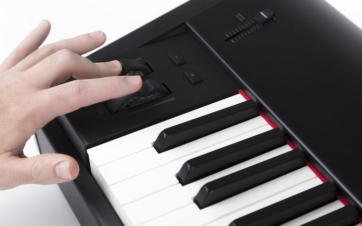 M-Audio Hammer 88 - Teclado controlador USB/MIDI profesional con 88 teclas de acción martillo y paquete de software: Amazon.es: Instrumentos musicales