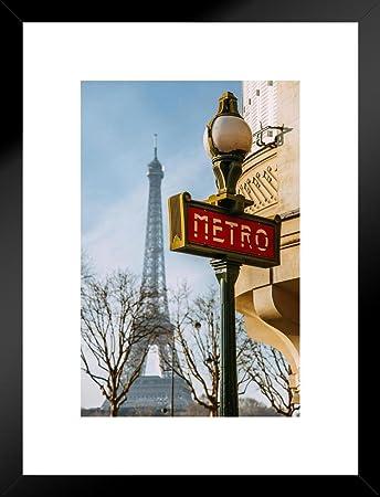 Amazon.com: Metro de París cartel con torre Eiffel en fondo ...
