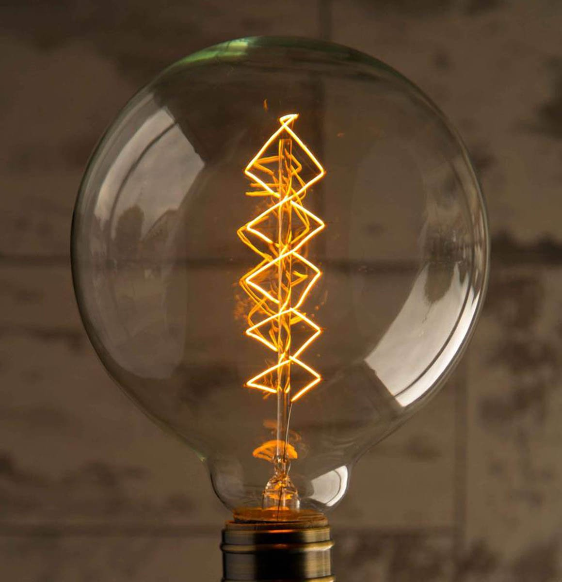 Globe Large 3-Pack 40W Warm Rustic Dimmable Light Bulb Spiral Filament, Vintage Incandescent Edison E27 Electric Light, Create The Perfect Atmosphere For Bar Restaurant Coffee Shop And Home Use LOMT