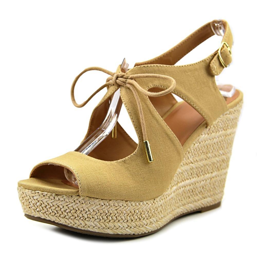 Fergalicious Womens Vicky Fabric Round Toe Casual Espadrille Sandals B01M3OG5AN 6.5 B(M) US|Beige