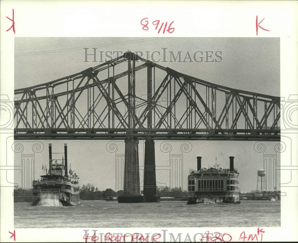 1988 Press Photo Steamboats Natchez and Mississippi Queen French Quarter Fest Historic Images