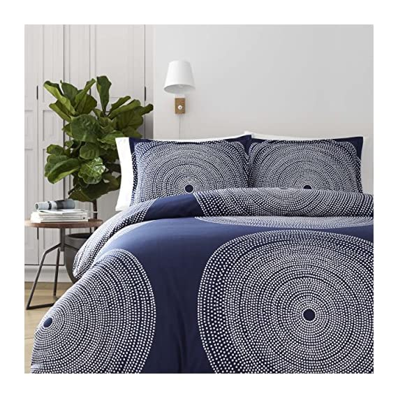 Marimekko 221437 Fokus Comforter Set, Navy, Full/Queen - Concentric rings of small white Dots join to form larger circles on a deep Navy background creating a timeless graphic that looks as modern today as it did when it was originally designed in 1999. The engineered placement of pattern on the top of bed as well as the shams forms a pleasing, balanced composition that is bold yet serene in its simplicity. Set includes matching shams. Comforter + 2 shams Percale Cotton, reversible, includes matching shams, machine washable. Features signature Marimekko designs.D - comforter-sets, bedroom-sheets-comforters, bedroom - 61r618tUzML. SS570  -