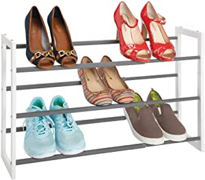 mDesign Zapatero vertical telescópico – Estante metálico extensible hasta 78,7 cm con 3 niveles de almacenaje – Mueble de zapatos para ahorrar espacio ...