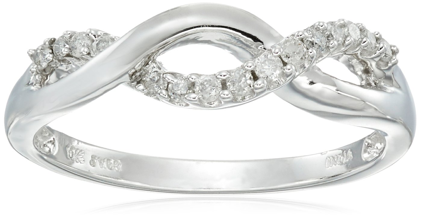 10K White Gold Diamond Twist Band Ring (1/6 cttw), Size 7