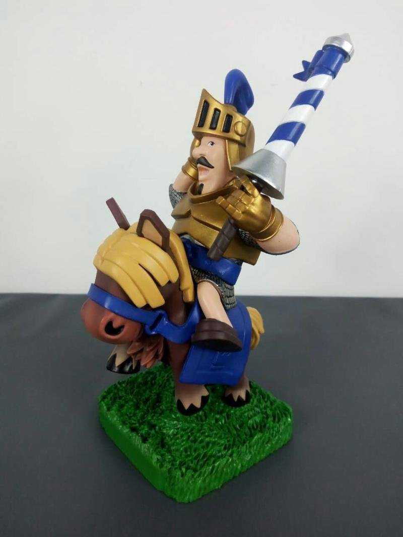 Clash Royale Prince (Attacking troop) Figure 17CM / 6.7inch: Amazon.es: Juguetes y juegos