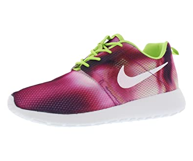 3ac0f989bd67 Image Unavailable. Image not available for. Color  NIke Roshe Run Print  (GS) Girl s Big Kid Shoe ...