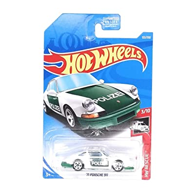 Hot Wheels 2020 HW Rescue '71 Porsche 911 122/250, White and Green: Toys & Games
