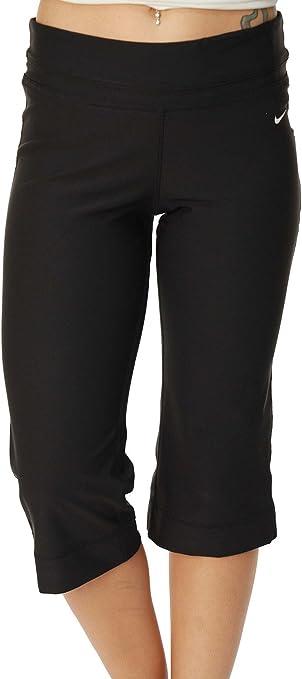 Amazon Com Nike Women S Drifit Regular Fit Poly Running Capris Black X Small 472350 010 Clothing