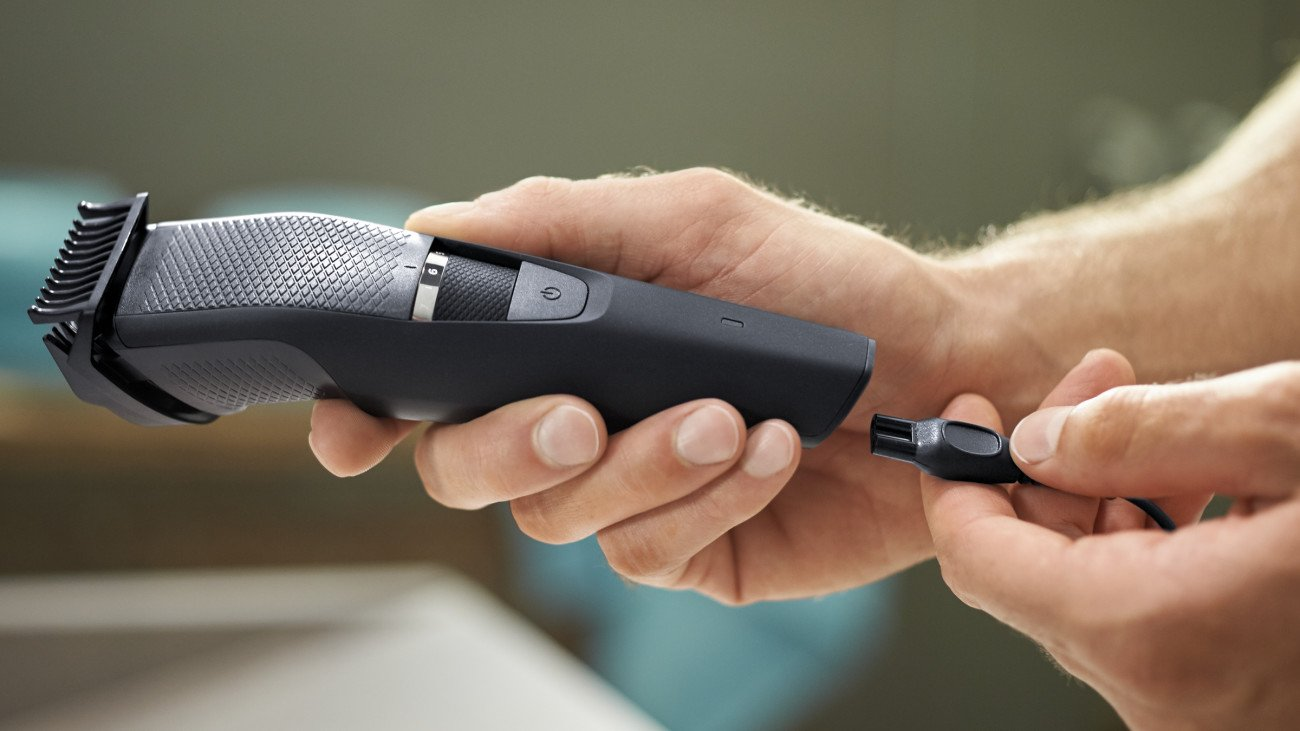 Philips Norelco Beard Trimmer BT3210/41 - cordless grooming,  rechargable, adjustable length, beard, stubble, and mustache by Philips Norelco (Image #10)