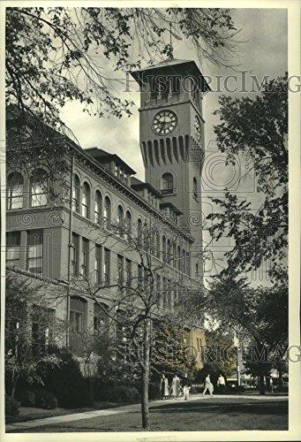 Vintage Photos 1991 Press Photo Bowman Hall clock tower is a landmark of the UW-Stout ()