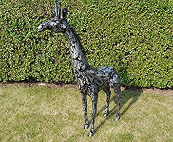 DISTRESSED METAL GIRAFFE SCULPTURE