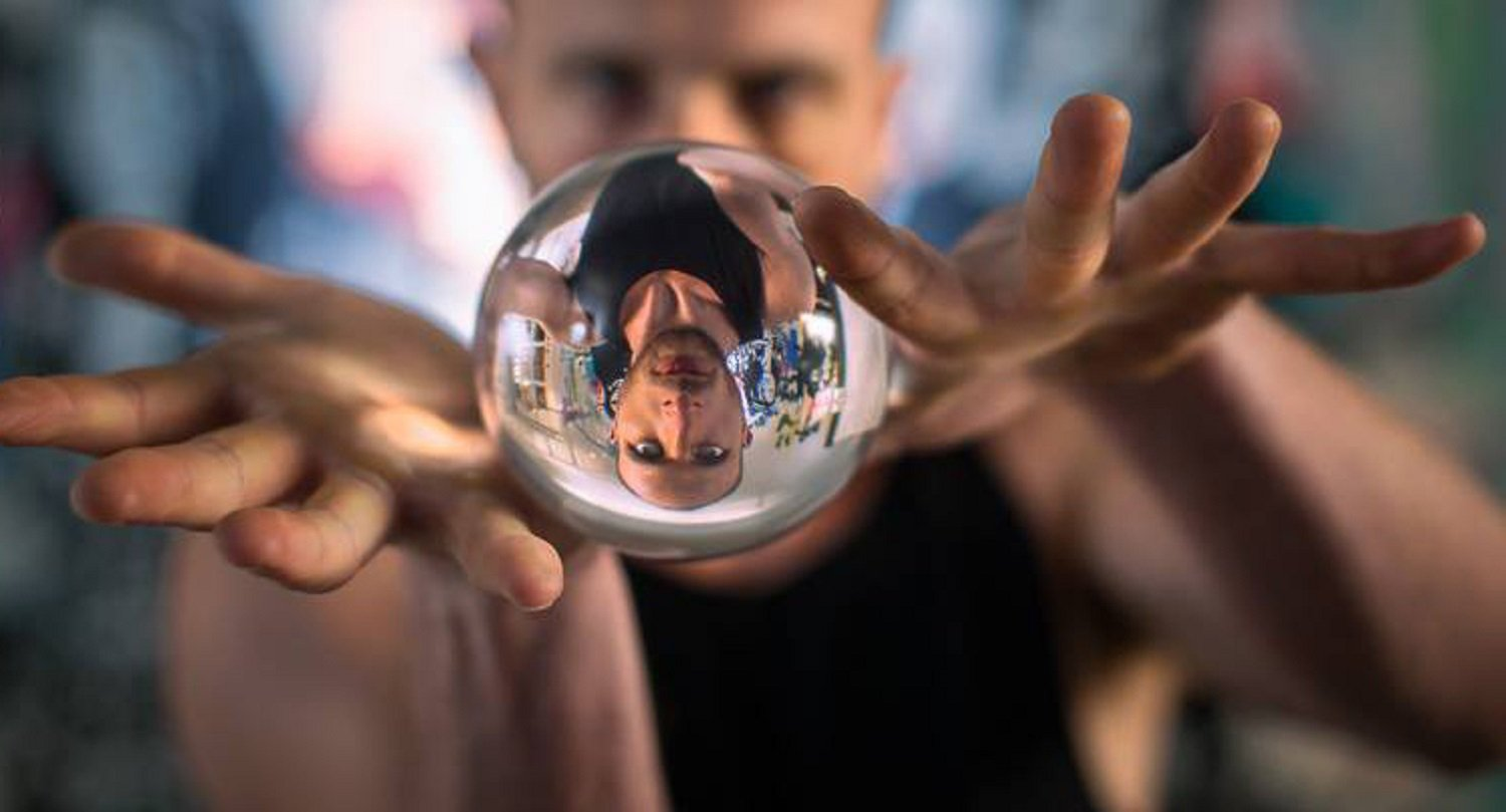 Clear Acrylic Contact Juggling Ball 2.75 70mm