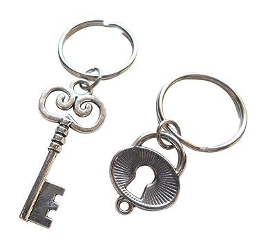 Amazon.com: Oval Lock and Key llavero Set – You ve Got la ...