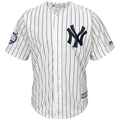 8ac253ca493 New York Yankees Majestic Home Retirement Patch Cool Base Derek Jeter Mens  Jersey  Amazon.co.uk  Clothing