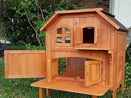 Wooden Outdoor Cat Home –