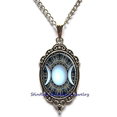 fe9021d77d60 Triple diosa Luna colgante