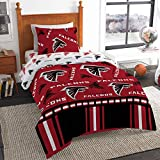 Keep warm under this Officially licensed NFL Rotary Full Bed in a Bag Set by The Northwest Company