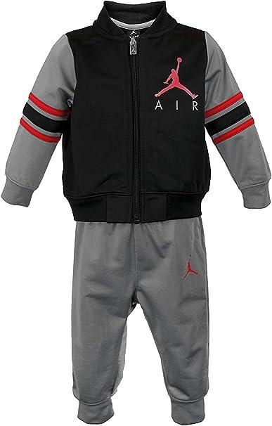 Nike Jordan Juego De 2 Piezas De Chaqueta Y Pantalones Para Nino Clothing Amazon Com