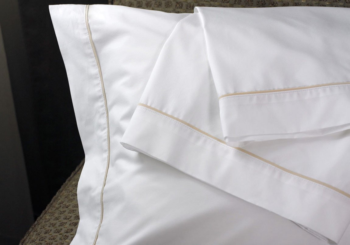 Westin Hotel 300TC Pillowcase Pair with Taupe Trim Piping - Standard/Queen