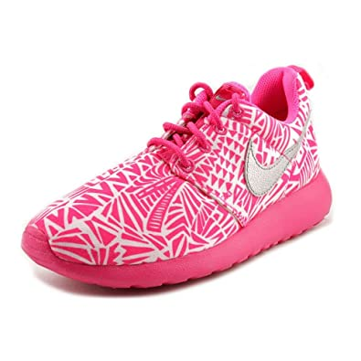 check out eccc5 20391 Amazon.com | Nike Kid's ROSHERUN PRINT (GS), White / Metallic Silver -  Vivid Pink - Pink | Running
