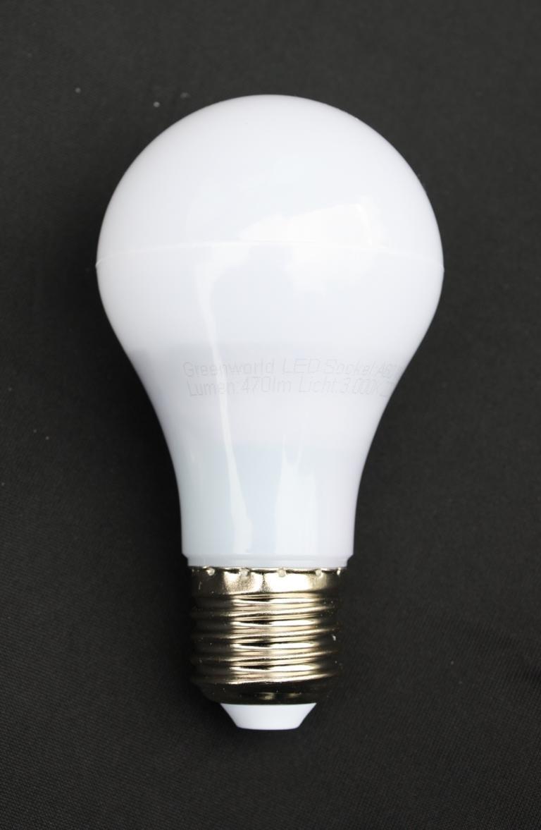Edelstahl Außenleuchte / Außenlampe / Standleuchte / Standlampe / Wegelampe / Wegeleuchte / Gartenlampe / Gartenleuchte / Parklampe / Parkleuchte / Rasenlampe / Rasenleuchte mit zwei eingebauten Steckdosen und inkl. LED Energiesparlampe 7 Watt Fachhandel-