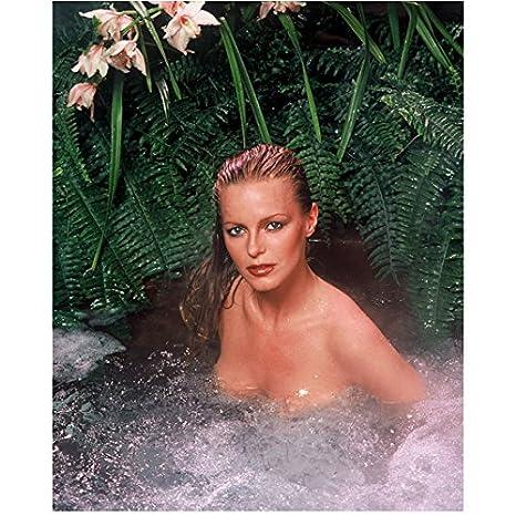 Flo the progressive girl nude