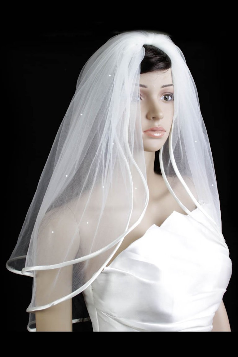 Bridal Veil Diamond (Off) White 2 Tiers Elbow Length With Scattered Faux Pearls by Velvet Bridal: Amazon.co.uk: Beauty
