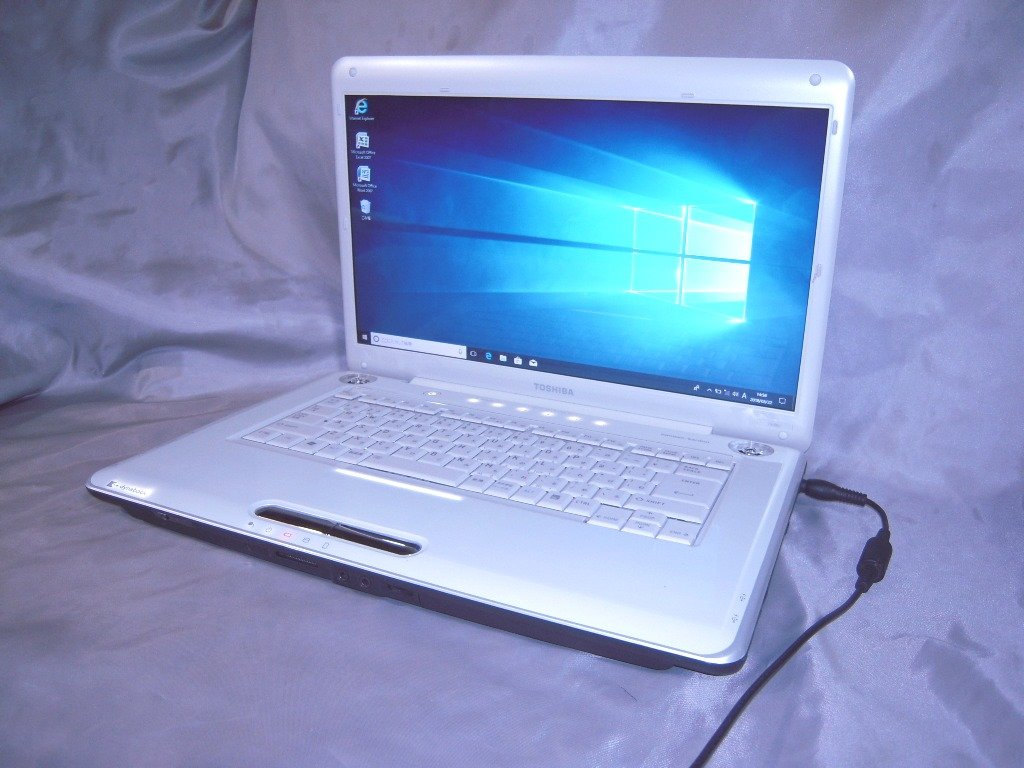 選ぶなら 光沢16型ワイド液晶搭載 Windows10 Home 無線LAN 東芝ノートPC 2GB/120GB B073NGMYCG DVDマルチ 復元ソフト Microsoft office2007 お買い上げ特典有 B073NGMYCG, アルマーディオ:b3379ffc --- arianechie.dominiotemporario.com