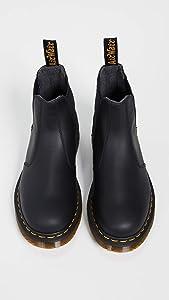 Amazon Com Dr Martens Men S 2976 Snow Boot Black Snowplow Wp 7 Shoes