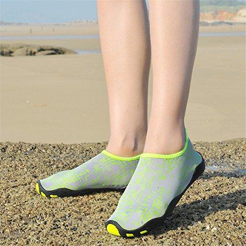 Toota Mens Et Femmes Aqua Chaussettes Pour La Plage Nager Chaussures Deau Pieds Nus Vert