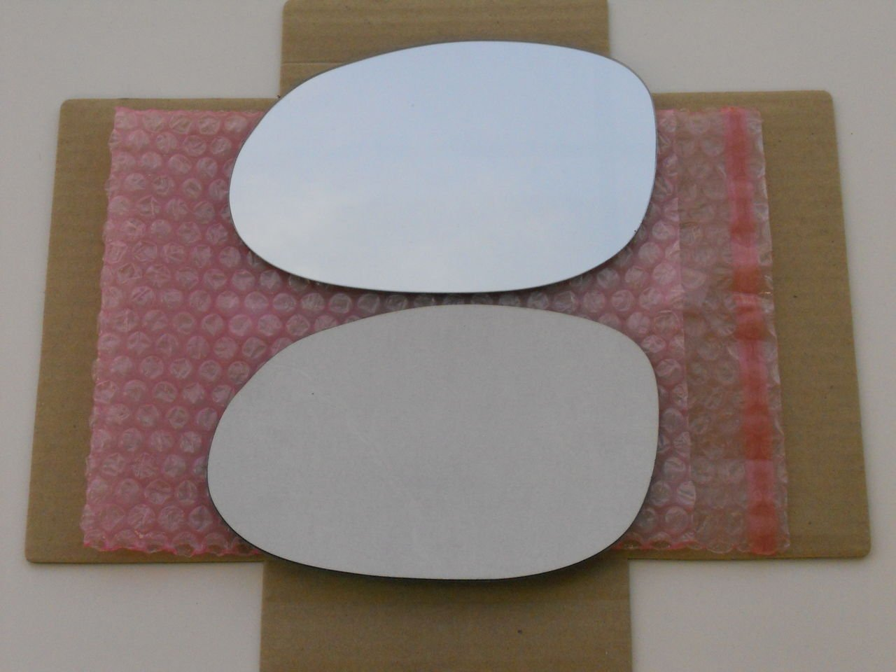 New Replacement Mirror Glass with FULL SIZE ADHESIVE for CONCORDE 300M LHS INTREPID NEON Driver Side View Left LH CAR MIRROR BAZAR