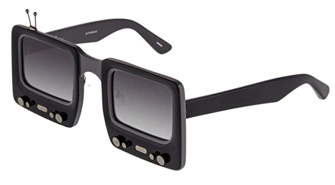 b33aa019a3f9 Amazon.com: LINDA FARROW Jeremy Scott TV SPECS Black Grey Polarized ...
