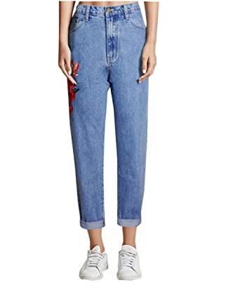 d28699150bd Lyamazing Women`s Boyfriends Mom Jeans High Waisted Floral Jeans Corpped Denim  Pants at Amazon Women s Jeans store