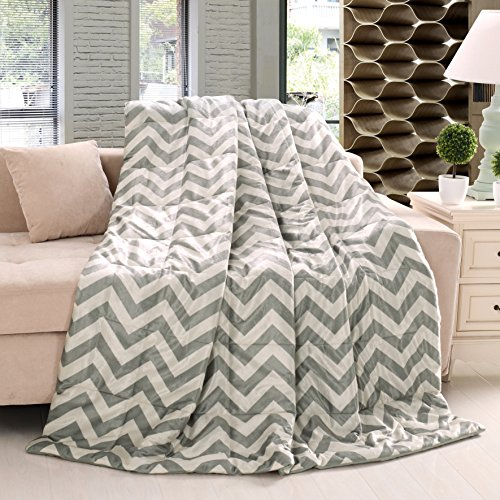 "Exclusivo Mezcla Luxury Large Throw Blanket- Soft, Cozy and Reversible (Chevron, 60""x70"