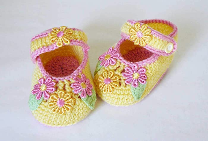 d824711c83515 Amazon.com: Crochet Baby Mary Janes Booties - 3 to 6 mo: Handmade