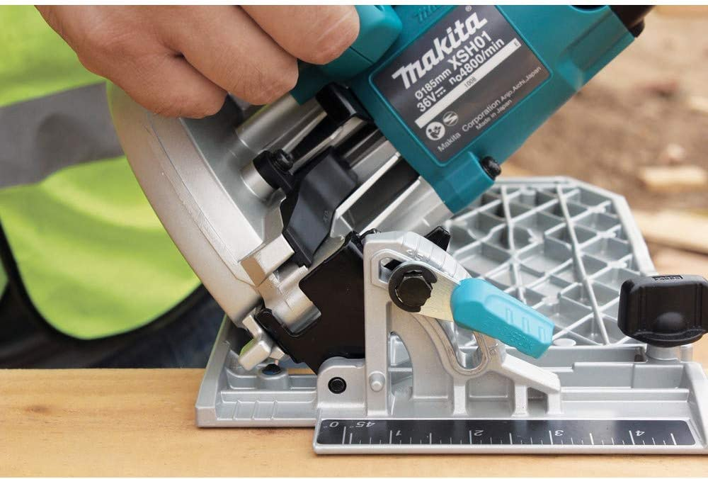 Makita XSH01Z-R 18V X2 LXT Cordless Lithium-Ion Cordless 7-1 4 in. Circular Saw Bare Tool Renewed