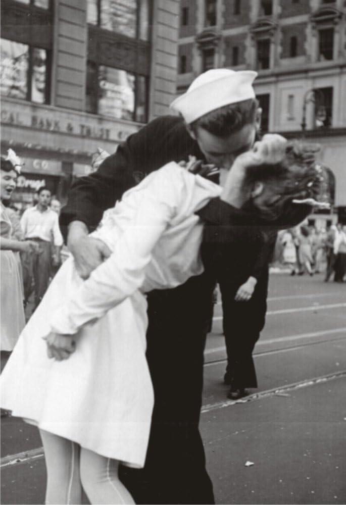 Kissing on VJ Day, Nurse and Sailor, History, Souvenir Magnet 2 x 3 Fridge Photo Magnet