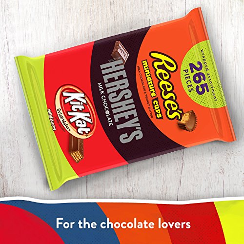 Large Product Image of HERSHEY'S Halloween Candy Assortment, Bulk Chocolate Candy, HERSHEY'S, REESE'S, and KIT KAT, 265 Pieces, 5 LB Bag 80.39 OZ