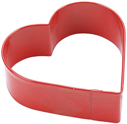 Wilton Red Metal Heart Cookie Cutter 3 Baking Tools & Accessories at amazon