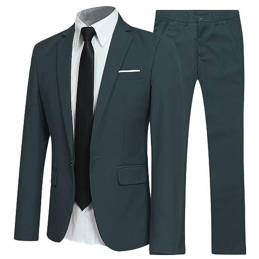 Traje para hombre color verde oscuro para evento elegante.