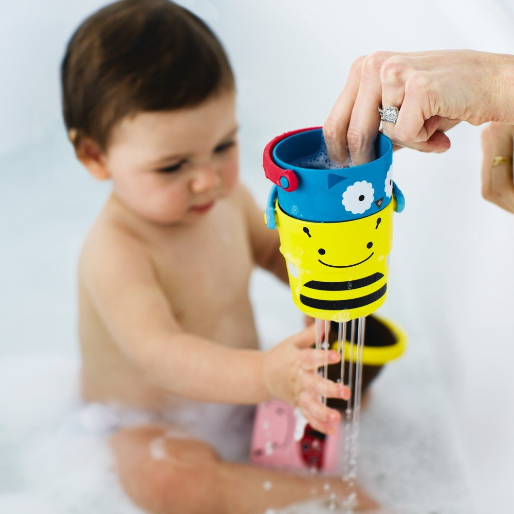 Amazon.com : Skip Hop Zoo Bath Stack and Pour Bucket Rinse Cups ...