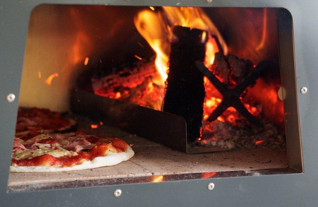 Mengoni La Fornacella - horno de leña para pizza: Amazon.es ...