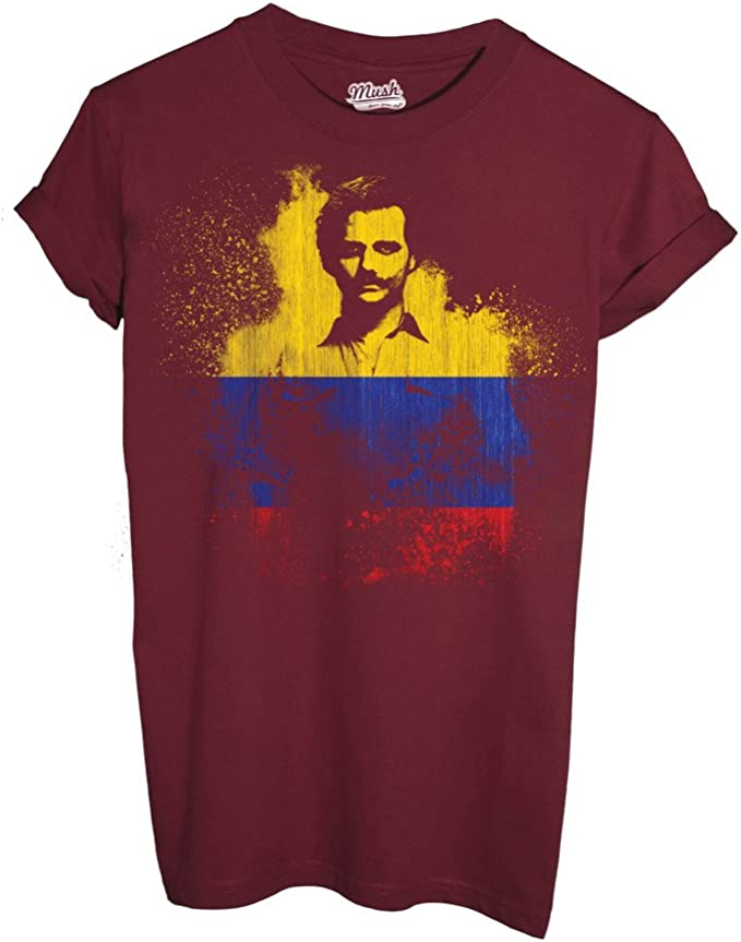 Mush - Camiseta Narcos Colombia Flag – Film by Dress Your Style Rosso Cardinal Large: Amazon.es: Ropa y accesorios
