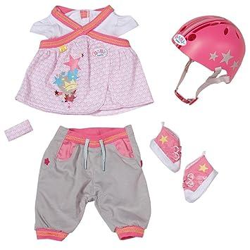 Baby Born - Conjunto ropita con casco, para ir de bicicleta (Bandai 817902)
