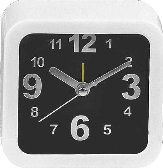 Clásico pequeño cuadrado alarma reloj escritorio mesa escritorio ...