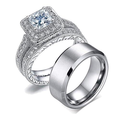 5082af8119fe Este juego de anillos tiene características individuales. El de dama está  elaborado en oro blanco con corte de circonita incrustada