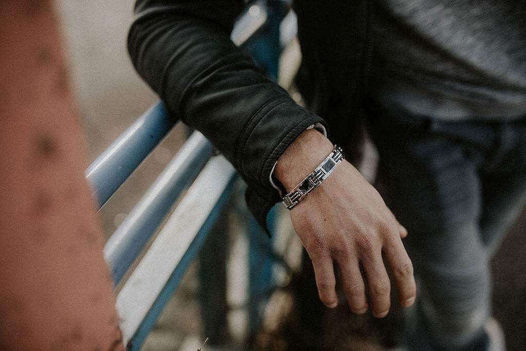 Bracelet Sport Argent Lunavit Bracelet Bijoux magn/étique en Titane avec Carbone pour Les Hommes Longueur r/églable